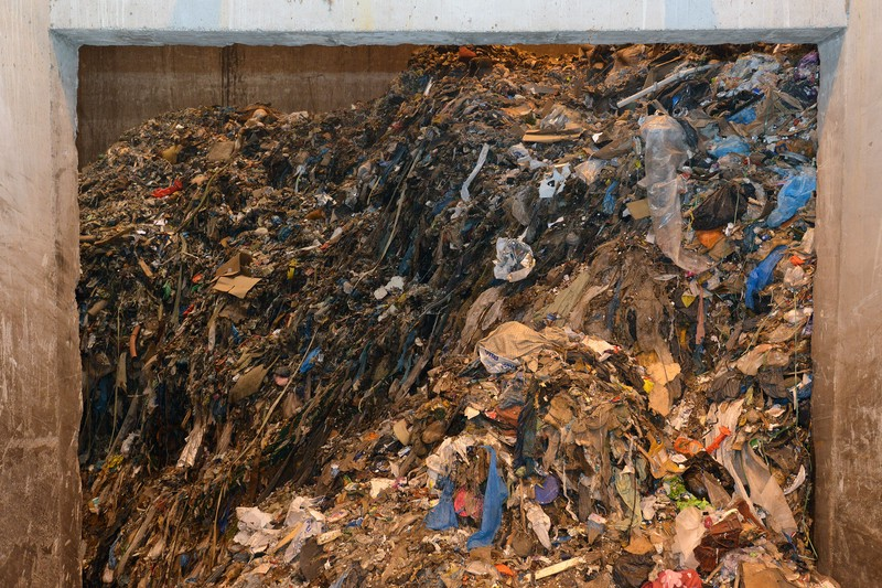 Recyclebaar afval in afvalbunker afvaloven van Omrin 1